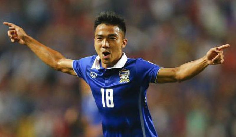 3แข้งทีมชาติไทย